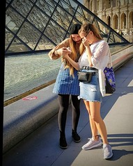 More Selfies (Dan Guimberteau) Tags: dxo photolab teenagers girls paris louvre pyramid smartphone phone selfy selfies
