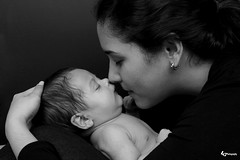 IMG_1346aa (godoperich) Tags: newborn 1st month baby mom mother