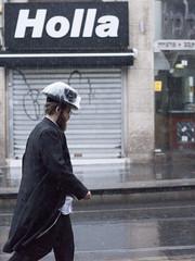 Hat Protector (zeevveez) Tags: זאבברקן zeevveez zeevbarkan canon people rain jaffastreet hat