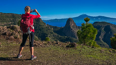 First Snow On Mount Teide (Jörg Bergmann) Tags: 2018 autumn herbst islascanarias lumixg20f17 lagomera panasonic20mmf17 panasonicdmcgf7 pancake picodelteide roqueagando bluesky canarias canaryislands españa fall gf7 gomera hiker hiking landscape lumix lumix20mm m43 mft micro43 microfourthirds mountains nature november ocean otoño panasonic panorama people photographer photography sea senderismo spain travel vacation wandern μ43