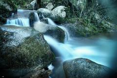 Entre las rocas (candi...) Tags: rieradevallcárquera riera corriente rocas agua efectoseda bosque piedras sonya77 naturaleza nature airelibre