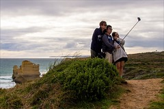 P2252122 Gables to 12 Apostles (Dave Curtis) Tags: victoria greatoceanroad candid selfie tourists 2014 australia em5 greatoceanwalk omd olympus places september