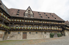 Alte Hofhaltung Bamberg 2 (rschnaible) Tags: bamberg germany europe outdoor sightseeing building architecture old history historic alte hofhaltung street photography