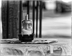 Wait ........ for the coffee (thorvonassgard) Tags: zucker streuer tisch strase kaffee milch pause sugar spreader table street coffee milk break