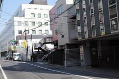 RICOH GR 13 crow crop 50mm (HAMACHI!) Tags: bird crow tokyo 2019 japan ricoh ricohgriii ricohimaging ricohgr gr gr3 griii loadtest cameratest shibuya