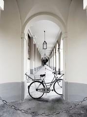 eternity with a bicycle (1elf12) Tags: fahrrad bicycle münchen munich germany deutschland hofgarten arkaden bögen bogen arc arch 2dwf