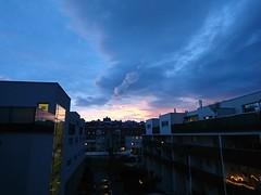 2017-12-11 16.09.30 (Kirayuzu) Tags: wien vienna liesing abendhimmel abend himmel winter eveningsky evening sky wolken clouds