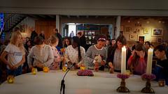 Elke vormeling van het groepje van Bea en Gert steekt zijn lichtje aan (voor de viering) (KerKembodegem) Tags: liturgy sint erembodegem maarten jesuschrist jezus gezang song martinus christianity eucharist geloofsbelijdenis jesus vrede lied sjaloom kerklied 2018 vormselcatechese liturgischlied bijbel liturgischeliederen churchsongs wwwkerkembodegembe parochie 4ingen geloofsgemeenschap gezangen kerkembodegem bible tafelgebed tenbos eucharistie vieringen gezinsvieringen gebeden vormelingen liederen god eucharistieviering vormselvoorbereiding gezinsviering liturgie sintmartinus zondagsviering elfnovember songs