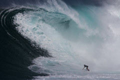 KaiLennyWinterWonderlandLynton (Aaron Lynton) Tags: jaws peahi surf surfing maui hawaii jawschallenge peahichallenge jawschallenge2018 bigwave bigwavesurfing bigwaves bigwavesurf xxl wsl lyntonproductions canon pushing limits legends