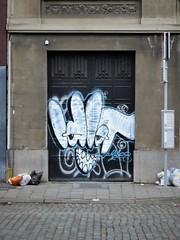 Idiot / Bruxelles - 6 jan 2019 (Ferdinand 'Ferre' Feys) Tags: bxl brussels bruxelles brussel belgium belgique belgië streetart artdelarue graffitiart graffiti graff urbanart urbanarte arteurbano ferdinandfeys idiot