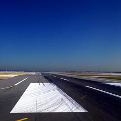 Paris CDG (pom'.) Tags: airport aéroportsdeparis paris parischarlesdegaulle pariscdg cdg roissy seineetmarne 77 iledefrance france europeanunion november 2018 panasonicdmctz101 100 200