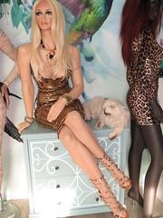 Rootstein Mannequin (capricornus61) Tags: rootstein display mannequin shop window doll dummy dummies figur puppe schaufenster frau weiblich female feminine sitting home athome art face body hair fair makeup indoor collecting sammeln