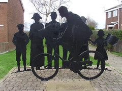 Lingdale Cycle Club (Glass Horse 2017) Tags: cleveland lingdalecyclingclub lingdale thebicycleraces thetrack commissioned frieze silhouette lingdaleliftoff stanghowroad publicart