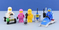 LEGO 70841 : Benny's Space Squad⭐ (Alex THELEGOFAN) Tags: lego legography minifigure minifigures minifig minifigurine minifigs minifigurines 70841 movie 2 yellow pink blue white bennys space squad