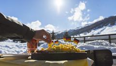 Livigno (torbenweineck) Tags: livigno italien winter ski snowboard kalt schnee weis käse speck gelb hand sony sonya7m2