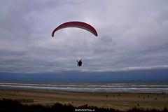 DSC02696 (ZANDVOORTfoto.nl) Tags: zandvoort edwin keur fotografie aan zee strand nederland netherlands kust coast shore beach beachlife parachute paraglide paragliders