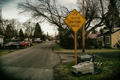 New Traffic Pattern Ahead (La Chachalaca Fotografía) Tags: street calle rue traffic sign suburbs oregon suburbia pentaxkp smalltown