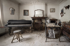 Abandoned house (NأT) Tags: abandoned abandon abandonné abandonnée abbandonato abbandonata ancien ancienne alone architecture piano music teacher trespassing explorationurbaine em1 exploration explore exploring empty explo explored rust rusty ruins rotten room home house casa villa life living family memories sadness history past old forgotten nobody neglected building verlassen decay decaying derelict dust decayed dusty forbidden urbex urban urbain urbaine urbanexploration olympus omd 714mm inside inexplore