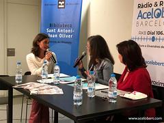 Entrevistant a la directora de la Biblioteca Sant Antoni-Joan Oliver