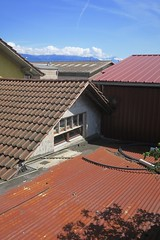 roofing materials (Riex) Tags: toits roofs tin tôleondulée corrugatediron materials matériaux cully lavaux vaud suisse switzerland g9x